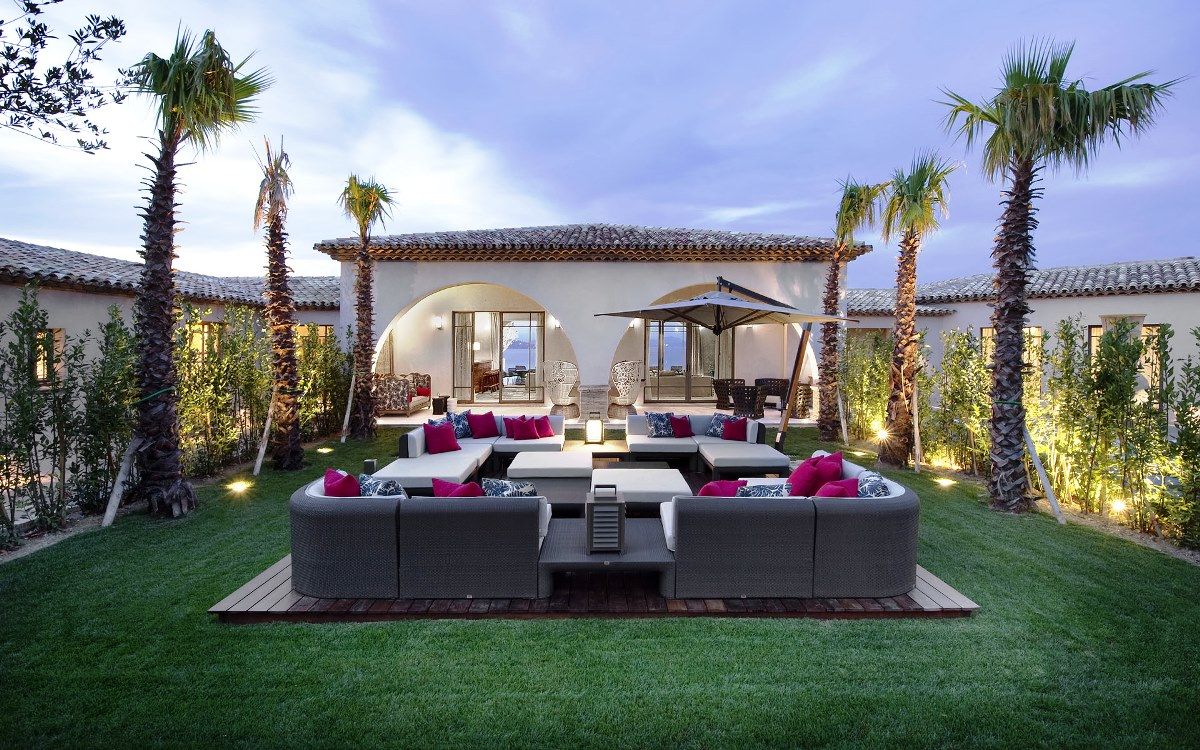 creating an outdoor living space to suit your lifestyle