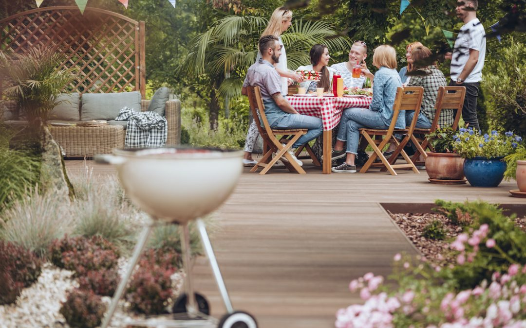 4 Factors to Consider When Designing a Backyard Landscape for Parties